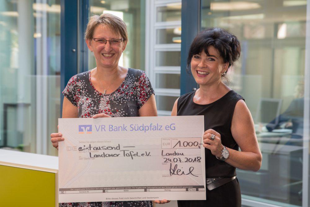 Eetbank En Tafel : Trussell vertrauen food bank box für eine familie mit drei